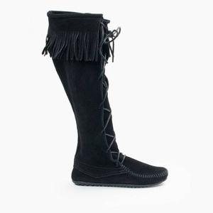 Minnetonka Black Front Lace Boots